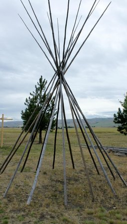 Tamastslikt Cultural Institute: poles waiting for the tee pee hide covering