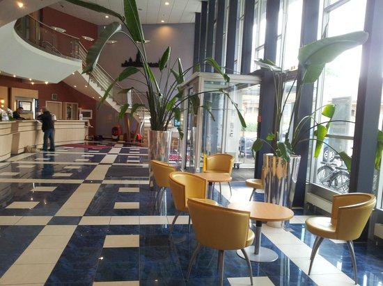 Novotel Bern Expo: Lobby