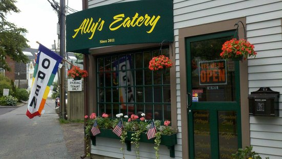 Ally's Eatery : The Entrance