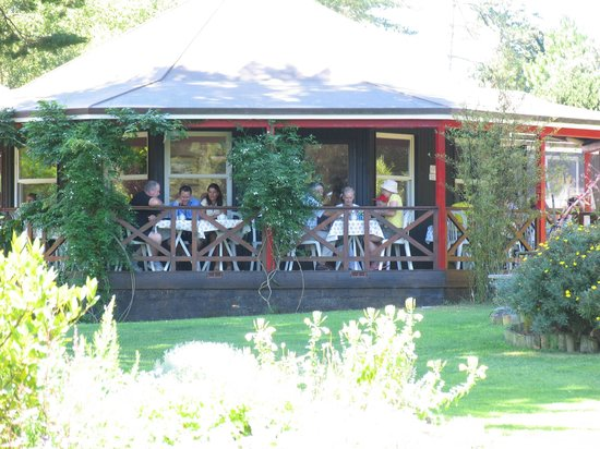 Sprigs Cafe at Jersey Lavender : The veranda at Sprigs cafe