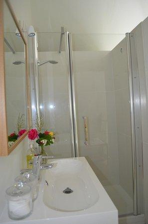 Le Moulin du Mesnil: La Suite Bathroom