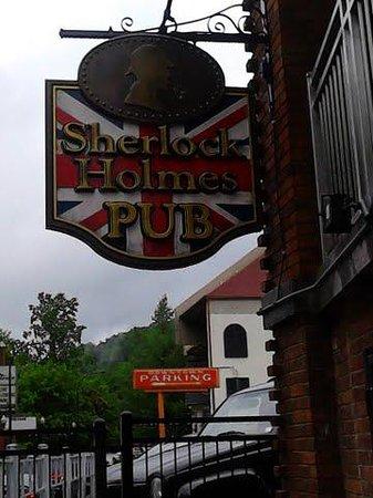 Sherlock Holmes Pub: Sign
