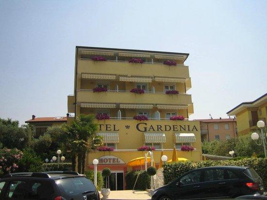 Hotel Gardenia & Villa Charme: Front of hotel