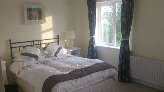 Portumna House Bed & Breakfast: upstairs room