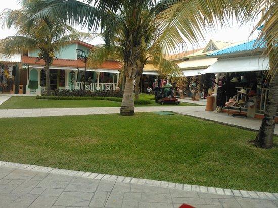 Grand Bahia Principe Coba: tiendas de souvenirs