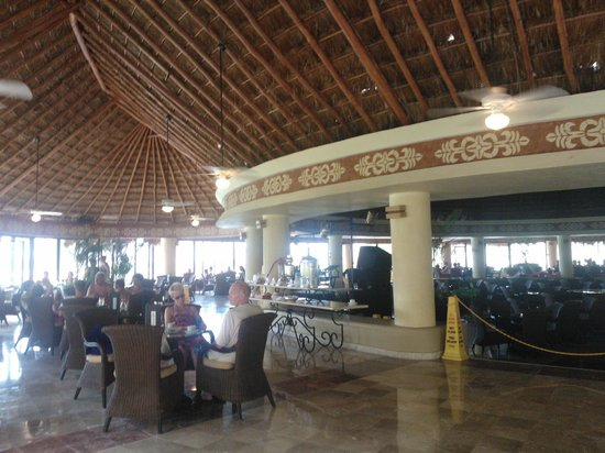 Grand Bahia Principe Coba: bar