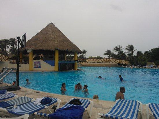 Grand Bahia Principe Coba: alberca
