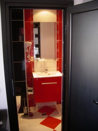 Hotel Gran Via: The bathroom