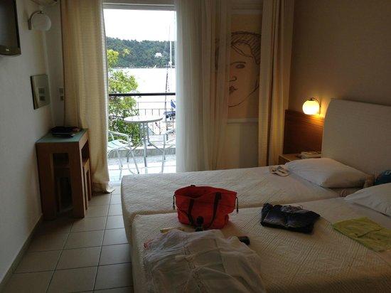 Hotel Akti: Renoviertes Zimmer