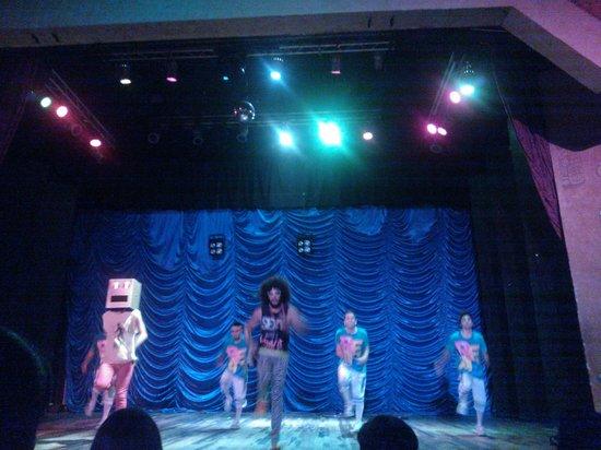 Grand Bahia Principe Coba: show de circo en el teatro de tulum, excelente