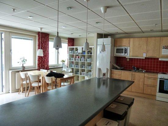 STF Hostel & Hotel Malmo City: kitchen