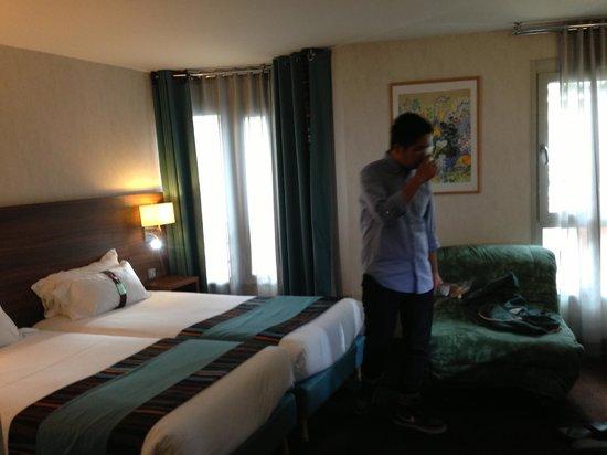 Holiday Inn Paris Montmartre: Spacious room