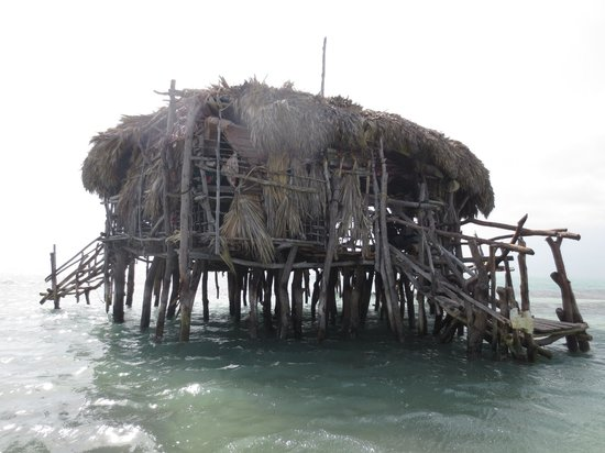 Rocky's Taxi and Tour Services: Pelican Bar