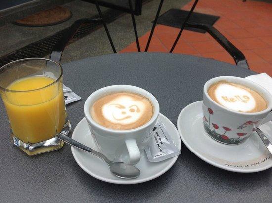 Hotel Jagerhorn: Breakfast drinks
