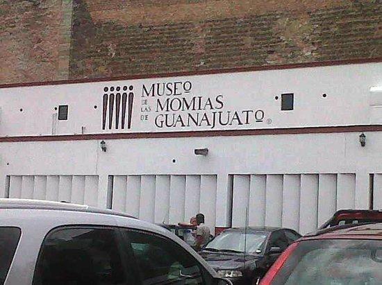 Museo de las Momias: Fachada del museo.