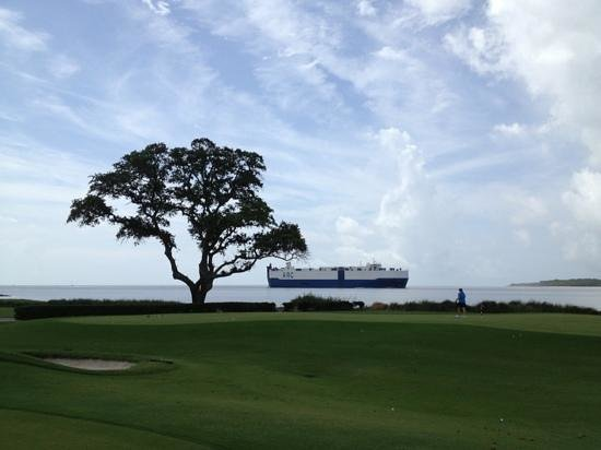The Lodge at Sea Island: putting green at The Lodge