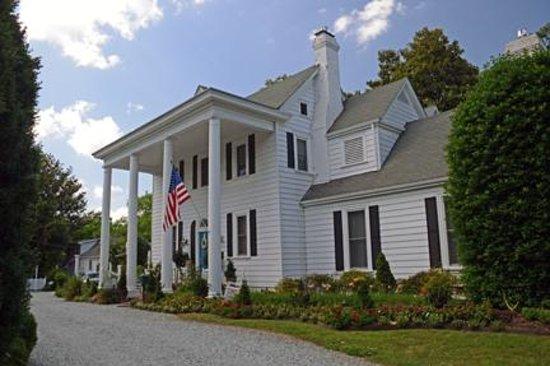 Arrowhead Inn : The Main house