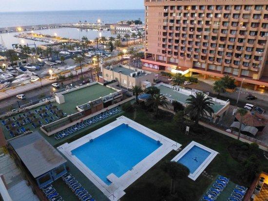 Hotel-Apartamentos PYR-Fuengirola: La piscine