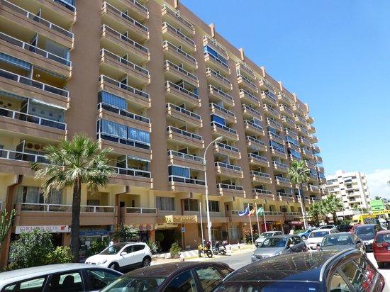 Hotel-Apartamentos PYR-Fuengirola: Le bâtiment