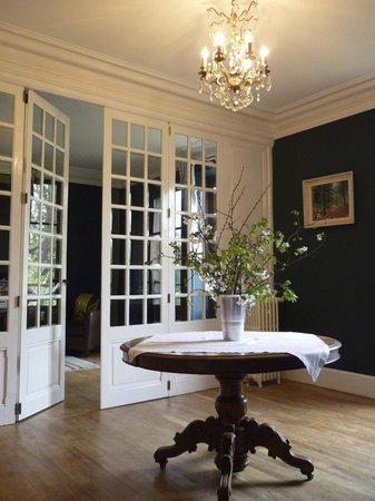 Maison Volière - Dining Room