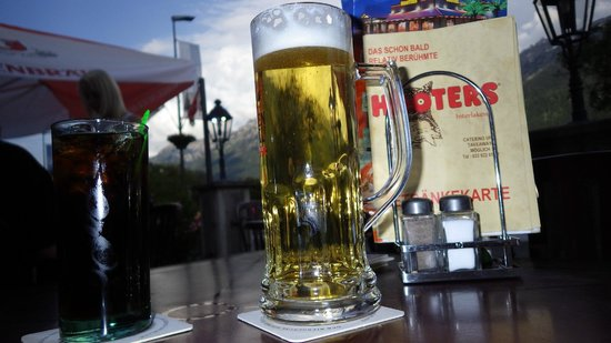 Hooters Interlaken: Good drinks & good views