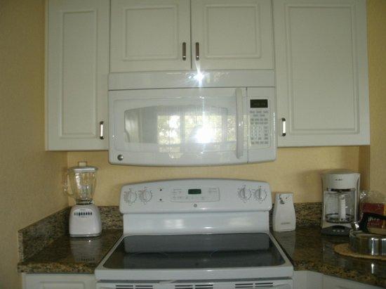 Holiday Inn Club Vacations At Orange Lake Resort: updated kitchen
