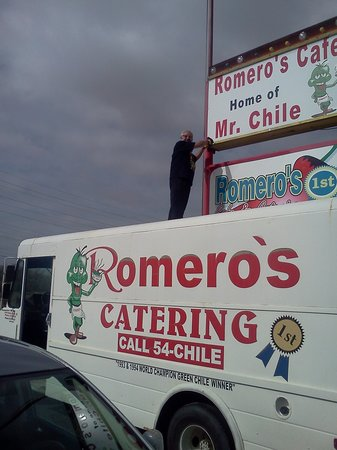 ‪Romero's Cafe & Catering‬