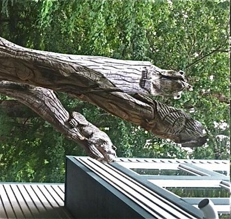Garden Grove Bed & Breakfast: Critter Carvings