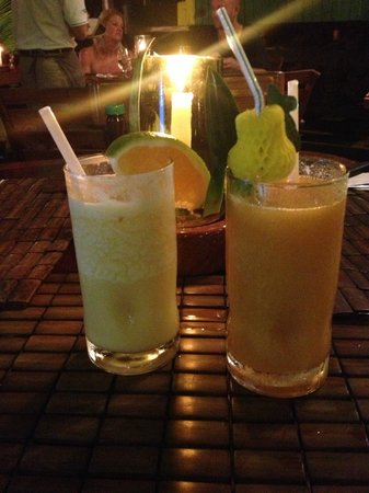 La Cantina BBQ: The pain killer and a mango drink I forgot the name up; very delicious!!
