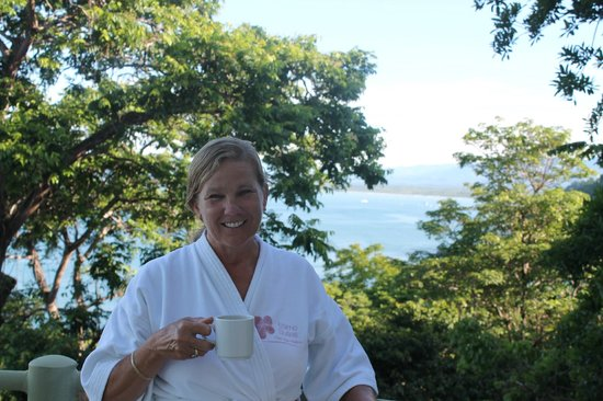 Issimo Suites Boutique Hotel and Spa: Morning coffee on the balcony of our room