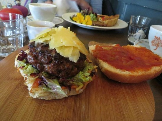 Gallery Cafe: A fancy cheeseburger!