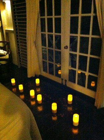 Cocobay Resort: Surprised by the GM of the resort with lit candles when we came back from dinner