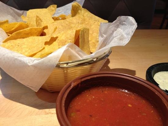 El Grand Rodeo: chips and salsa