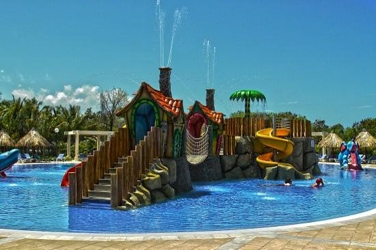 Grand Bahia Principe Punta Cana: Great water park for the kids and relaxing area for the adults.