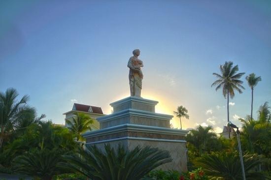 Grand Bahia Principe Punta Cana: Beautiful statues everywhere ...