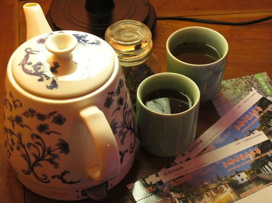 Caotang Hostel: Complimentary flower tea