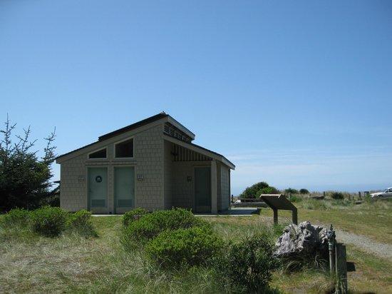 Gold Bluffs Beach Campground: Restrooms & showers - Gold Bluffs Campground
