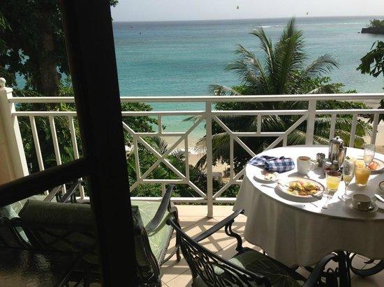Sandals Royal Plantation: Breakfast in room