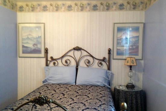 Buona Sera Inn, Starry Night Room #10