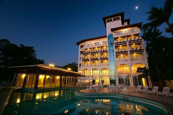 Hotel Torres da Cachoeira: Fachada Noturna