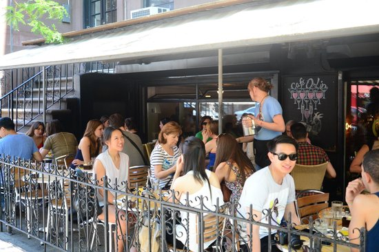 Cafe Orlin : street seating