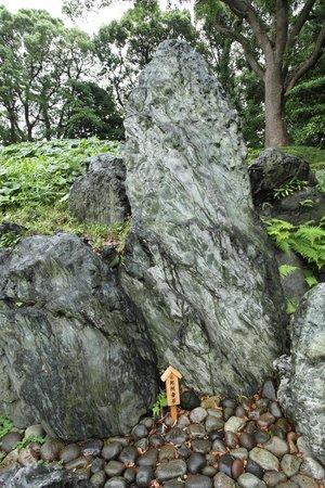 Kiyosumi Teien: 全国から取り寄せた名石がすばらしい