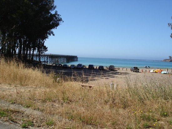 Kayak Outfitters: San Simeon cove and pier