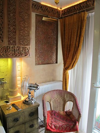 Brussels Welcome Hotel : Istanbul Room - Seating Area