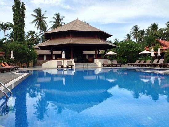 Smile House Resort: poolen