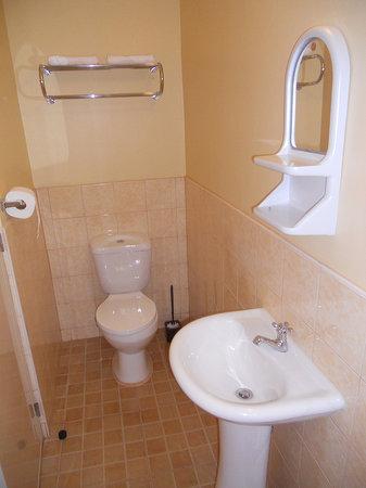Wayfarers - Cloud 9 Restaurant & Residences: Bathroom