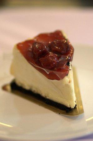 White Box Nusa Dua: Cheese Cake Strawberry