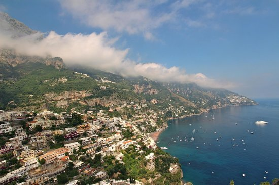 Rainbow Limos: on the road to positano