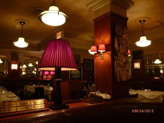 Belles décorations - Picture of Bond 45 Italian Kitchen & Bar, New ...