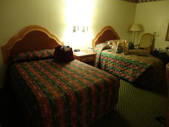 Super 8 Los Angeles/Alhambra : 2 Double beds